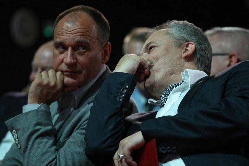 """W sierpniu ogłoszono, że kandydatem Kukiz'15 na prezydenta stolicy został Marek Jakubiak. Jednak sam lider ruchu wprowadził wyborców w zdziwienie, gdy na jednym ze spotkań ogłosił: """"Moja sympatia jest niekoniecznie mocno nakierowana na naszego kandydata""""."""